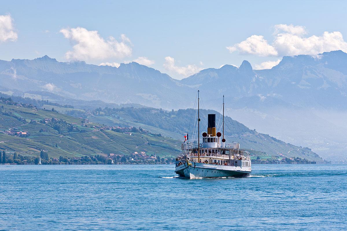Arrivée du S/S La Suisse à Ouchy en course 201