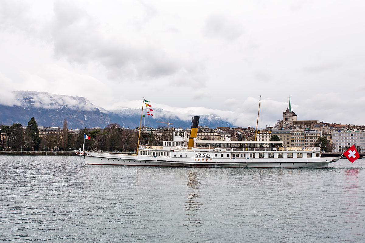 Départ de Genève-Mont-Blanc du M/S Vevey en course 740